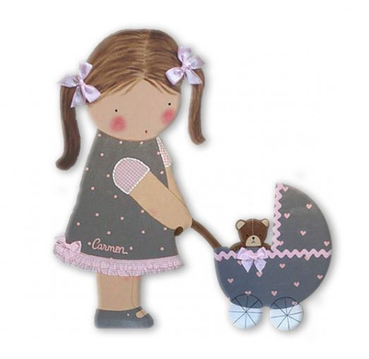 silueta de madera infantil niña con carrito con coletas y osito