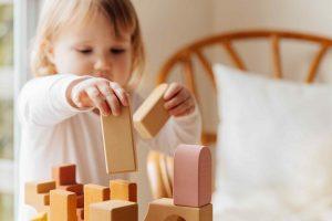 decorar habitacion bebe montessori materiales